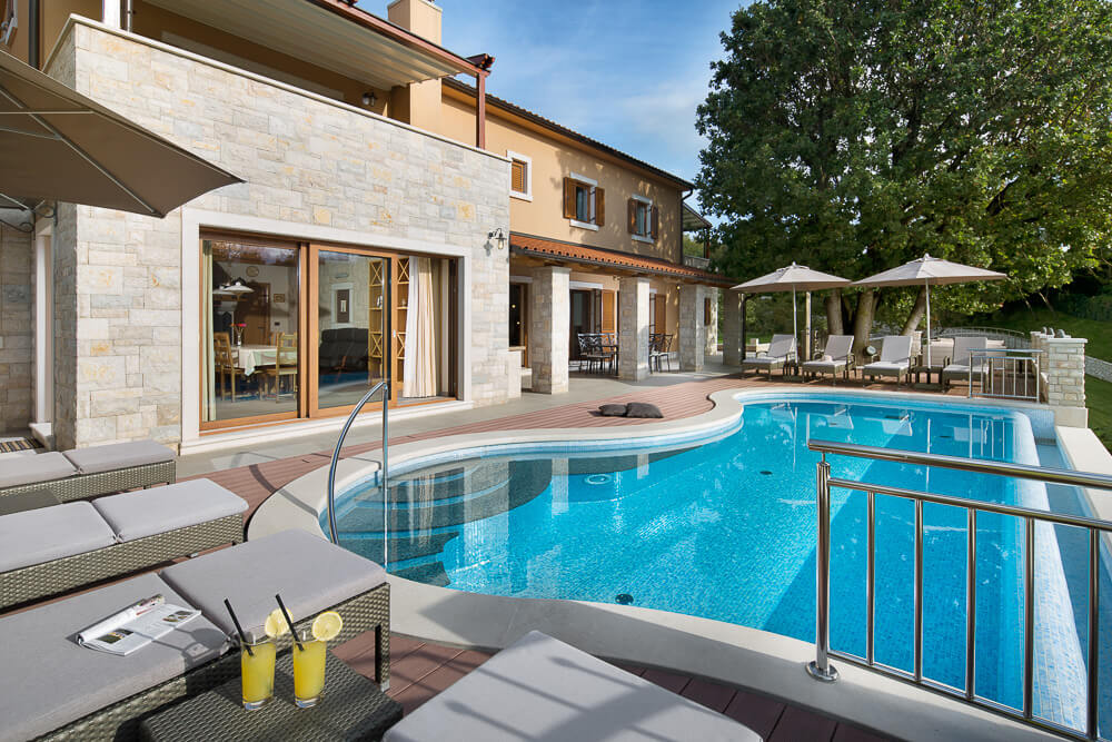 Villa Vlastelini - swimming pool and terrace